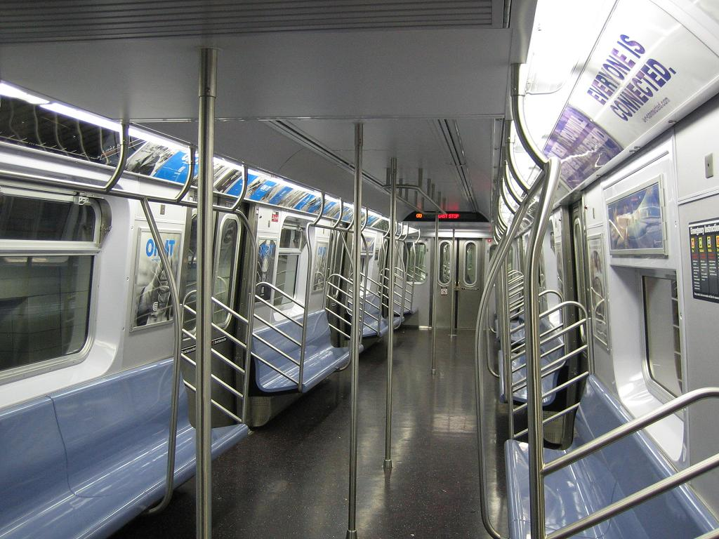 (141k, 1024x768)<br><b>Country:</b> United States<br><b>City:</b> New York<br><b>System:</b> New York City Transit<br><b>Line:</b> IND 8th Avenue Line<br><b>Location:</b> 207th Street <br><b>Route:</b> A<br><b>Car:</b> R-160A-2 (Alstom, 2005-2008, 5 car sets)  8662 <br><b>Photo by:</b> Michael Hodurski<br><b>Date:</b> 10/18/2006<br><b>Viewed (this week/total):</b> 1 / 5184