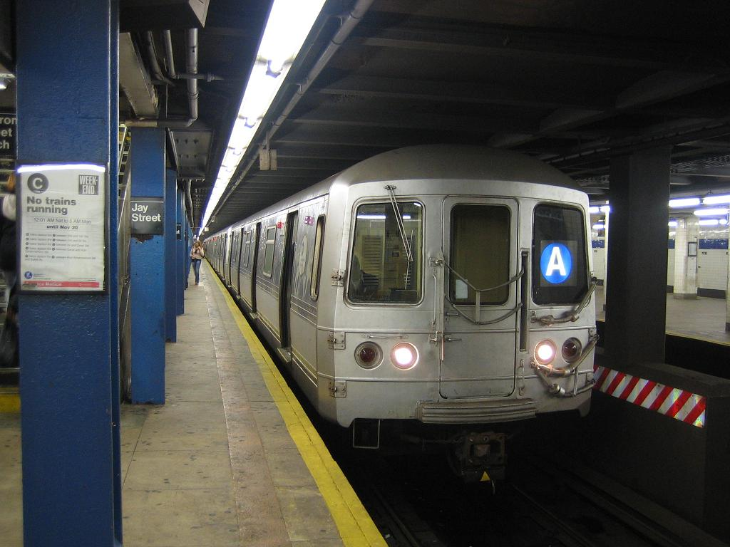 (108k, 1024x768)<br><b>Country:</b> United States<br><b>City:</b> New York<br><b>System:</b> New York City Transit<br><b>Line:</b> IND 8th Avenue Line<br><b>Location:</b> Jay St./Metrotech (Borough Hall) <br><b>Route:</b> A<br><b>Car:</b> R-44 (St. Louis, 1971-73) 5316 <br><b>Photo by:</b> Michael Hodurski<br><b>Date:</b> 10/18/2006<br><b>Viewed (this week/total):</b> 1 / 3984
