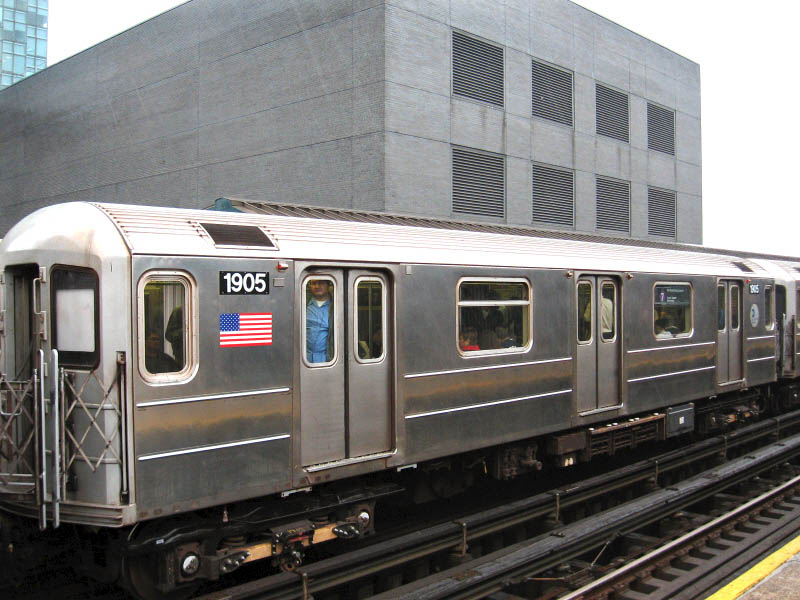 (110k, 800x600)<br><b>Country:</b> United States<br><b>City:</b> New York<br><b>System:</b> New York City Transit<br><b>Line:</b> IRT Flushing Line<br><b>Location:</b> Court House Square/45th Road <br><b>Route:</b> 7<br><b>Car:</b> R-62A (Bombardier, 1984-1987)  1905 <br><b>Photo by:</b> Gary Chatterton<br><b>Date:</b> 10/11/2006<br><b>Viewed (this week/total):</b> 3 / 1470