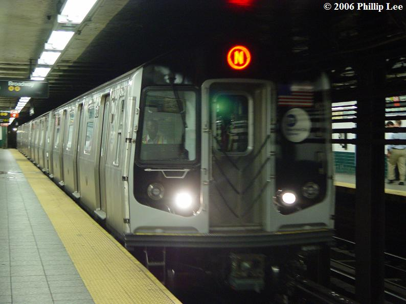 (61k, 794x596)<br><b>Country:</b> United States<br><b>City:</b> New York<br><b>System:</b> New York City Transit<br><b>Line:</b> BMT Broadway Line<br><b>Location:</b> Canal Street Bridge Line <br><b>Route:</b> N<br><b>Car:</b> R-160A/R-160B Series (Number Unknown)  <br><b>Photo by:</b> Phillip Lee<br><b>Date:</b> 8/17/2006<br><b>Viewed (this week/total):</b> 1 / 4615