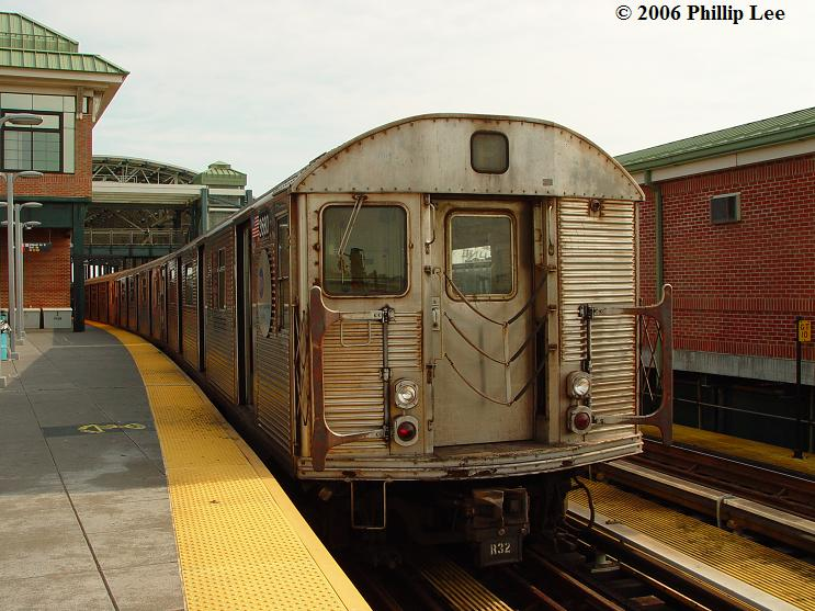 (83k, 743x557)<br><b>Country:</b> United States<br><b>City:</b> New York<br><b>System:</b> New York City Transit<br><b>Location:</b> Coney Island/Stillwell Avenue<br><b>Route:</b> F<br><b>Car:</b> R-32 (Budd, 1964)   <br><b>Photo by:</b> Phillip Lee<br><b>Date:</b> 7/29/2006<br><b>Viewed (this week/total):</b> 0 / 2317