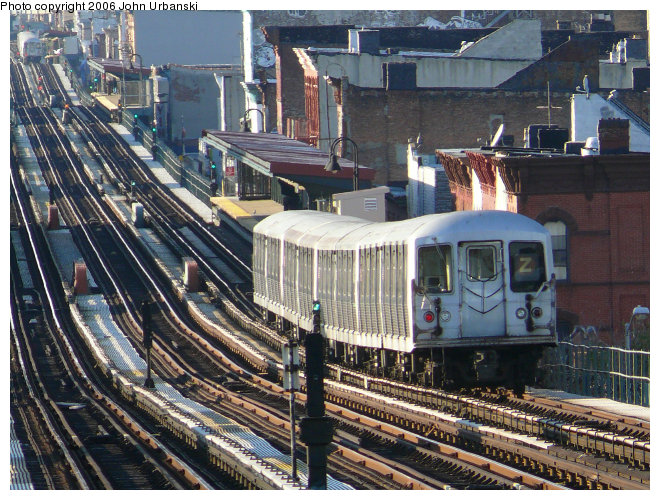(148k, 660x500)<br><b>Country:</b> United States<br><b>City:</b> New York<br><b>System:</b> New York City Transit<br><b>Line:</b> BMT Nassau Street/Jamaica Line<br><b>Location:</b> Halsey Street <br><b>Route:</b> Z<br><b>Car:</b> R-42 (St. Louis, 1969-1970)   <br><b>Photo by:</b> John Urbanski<br><b>Date:</b> 10/26/2006<br><b>Viewed (this week/total):</b> 0 / 3165
