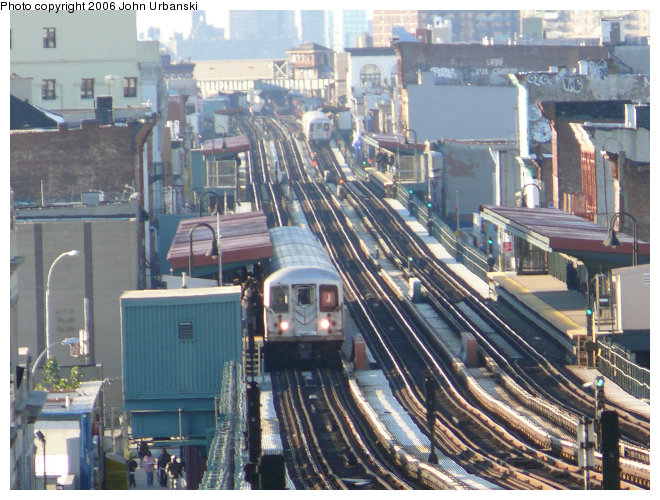 (129k, 660x500)<br><b>Country:</b> United States<br><b>City:</b> New York<br><b>System:</b> New York City Transit<br><b>Line:</b> BMT Nassau Street/Jamaica Line<br><b>Location:</b> Halsey Street <br><b>Route:</b> J<br><b>Car:</b> R-42 (St. Louis, 1969-1970)   <br><b>Photo by:</b> John Urbanski<br><b>Date:</b> 10/26/2006<br><b>Viewed (this week/total):</b> 3 / 4686