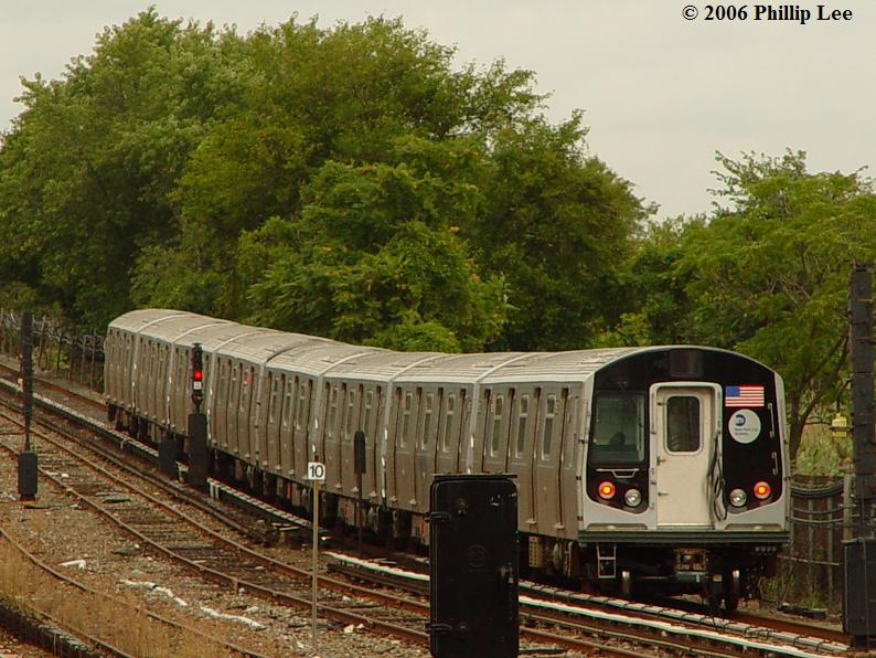 (100k, 794x596)<br><b>Country:</b> United States<br><b>City:</b> New York<br><b>System:</b> New York City Transit<br><b>Line:</b> IND Rockaway<br><b>Location:</b> Howard Beach <br><b>Route:</b> A<br><b>Car:</b> R-160A/R-160B Series (Number Unknown)  <br><b>Photo by:</b> Phillip Lee<br><b>Date:</b> 9/13/2006<br><b>Viewed (this week/total):</b> 1 / 4370