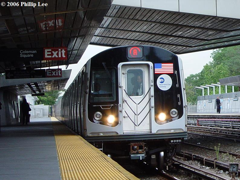 (102k, 794x596)<br><b>Country:</b> United States<br><b>City:</b> New York<br><b>System:</b> New York City Transit<br><b>Line:</b> IND Rockaway<br><b>Location:</b> Howard Beach <br><b>Route:</b> A<br><b>Car:</b> R-160A/R-160B Series (Number Unknown)  <br><b>Photo by:</b> Phillip Lee<br><b>Date:</b> 9/13/2006<br><b>Viewed (this week/total):</b> 0 / 4689