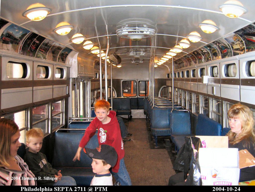 (227k, 1024x772)<br><b>Country:</b> United States<br><b>City:</b> Washington, PA<br><b>System:</b> Pennsylvania Trolley Museum <br><b>Car:</b> PTC/SEPTA Postwar All-electric PCC (St.Louis, 1947)  2711 <br><b>Photo by:</b> Herman R. Silbiger<br><b>Date:</b> 10/27/2004<br><b>Viewed (this week/total):</b> 2 / 1877