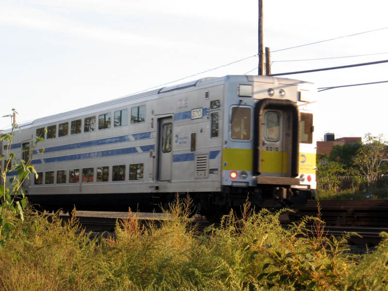 (108k, 800x600)<br><b>Country:</b> United States<br><b>City:</b> New York<br><b>System:</b> Long Island Rail Road<br><b>Line:</b> LIRR Long Island City<br><b>Location:</b> Maspeth Avenue <br><b>Car:</b> LIRR GM DM30AC (Dual Mode)  520 <br><b>Photo by:</b> Gary Chatterton<br><b>Date:</b> 10/13/2006<br><b>Viewed (this week/total):</b> 4 / 928