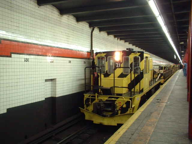 (39k, 640x480)<br><b>Country:</b> United States<br><b>City:</b> New York<br><b>System:</b> New York City Transit<br><b>Line:</b> IND 6th Avenue Line<br><b>Location:</b> 47-50th Street/Rockefeller Center <br><b>Route:</b> Work Service<br><b>Car:</b> R-52 Locomotive  71 <br><b>Photo by:</b> John Barnes<br><b>Date:</b> 9/4/2006<br><b>Viewed (this week/total):</b> 4 / 2205