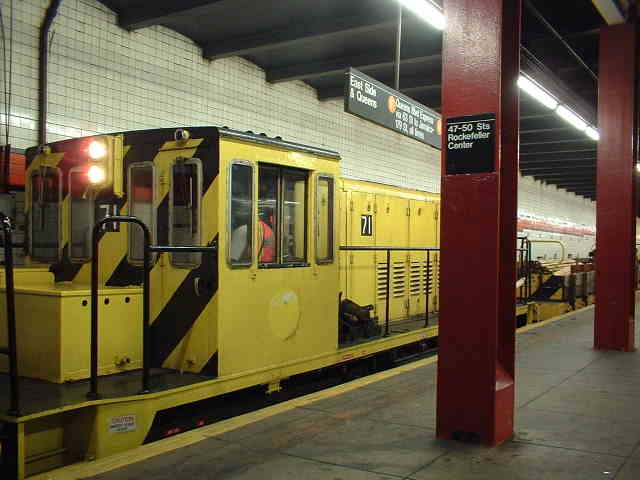 (38k, 640x480)<br><b>Country:</b> United States<br><b>City:</b> New York<br><b>System:</b> New York City Transit<br><b>Line:</b> IND 6th Avenue Line<br><b>Location:</b> 47-50th Street/Rockefeller Center <br><b>Route:</b> Work Service<br><b>Car:</b> R-52 Locomotive  71 <br><b>Photo by:</b> John Barnes<br><b>Date:</b> 9/4/2006<br><b>Viewed (this week/total):</b> 4 / 1953