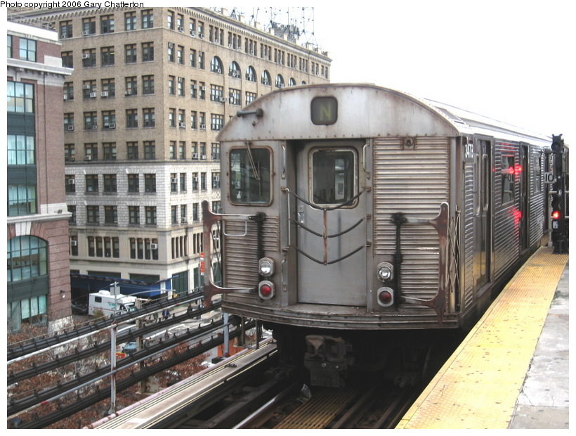(131k, 820x620)<br><b>Country:</b> United States<br><b>City:</b> New York<br><b>System:</b> New York City Transit<br><b>Line:</b> BMT Astoria Line<br><b>Location:</b> Queensborough Plaza <br><b>Route:</b> N<br><b>Car:</b> R-32 (Budd, 1964)  3478 <br><b>Photo by:</b> Gary Chatterton<br><b>Date:</b> 11/16/2006<br><b>Viewed (this week/total):</b> 1 / 2794