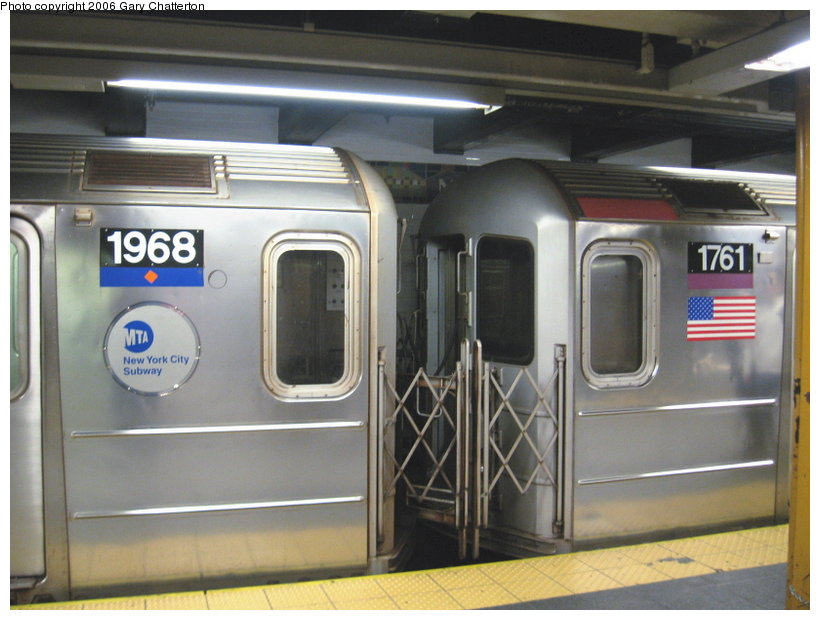 (98k, 820x620)<br><b>Country:</b> United States<br><b>City:</b> New York<br><b>System:</b> New York City Transit<br><b>Line:</b> IRT Flushing Line<br><b>Location:</b> Main Street/Flushing <br><b>Route:</b> 7<br><b>Car:</b> R-62A (Bombardier, 1984-1987)  1968/1761 <br><b>Photo by:</b> Gary Chatterton<br><b>Date:</b> 11/18/2006<br><b>Notes:</b> Exterior R62A cars showing location of full-width cab window of car with closed-up cab.<br><b>Viewed (this week/total):</b> 6 / 3562
