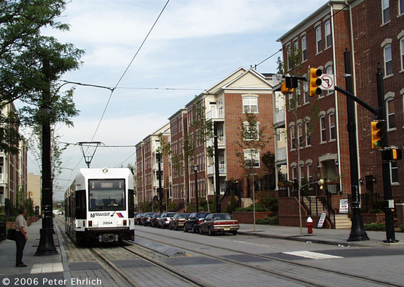 (217k, 792x564)<br><b>Country:</b> United States<br><b>City:</b> Jersey City, NJ<br><b>System:</b> Hudson Bergen Light Rail<br><b>Location:</b> Essex Street <br><b>Car:</b> NJT-HBLR LRV (Kinki-Sharyo, 1998-99)  2005 <br><b>Photo by:</b> Peter Ehrlich<br><b>Date:</b> 8/28/2001<br><b>Notes:</b> Essex/Washington northbound.<br><b>Viewed (this week/total):</b> 1 / 1762