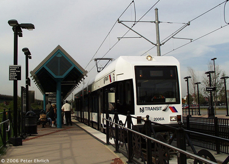 (161k, 792x566)<br><b>Country:</b> United States<br><b>City:</b> Jersey City, NJ<br><b>System:</b> Hudson Bergen Light Rail<br><b>Location:</b> Liberty State Park <br><b>Car:</b> NJT-HBLR LRV (Kinki-Sharyo, 1998-99)  2006 <br><b>Photo by:</b> Peter Ehrlich<br><b>Date:</b> 8/28/2001<br><b>Notes:</b> Liberty State Park Station inbound.<br><b>Viewed (this week/total):</b> 0 / 940