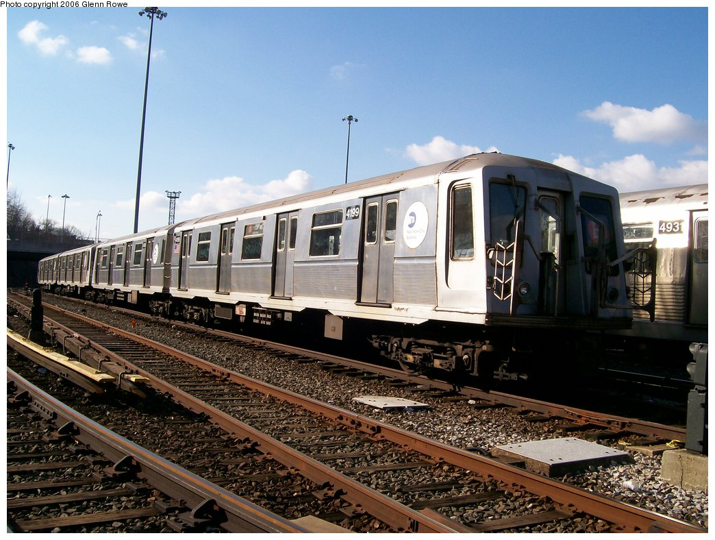 (204k, 1044x788)<br><b>Country:</b> United States<br><b>City:</b> New York<br><b>System:</b> New York City Transit<br><b>Location:</b> Concourse Yard<br><b>Car:</b> R-40 (St. Louis, 1968)  4199 <br><b>Photo by:</b> Glenn L. Rowe<br><b>Date:</b> 12/4/2006<br><b>Viewed (this week/total):</b> 4 / 2427