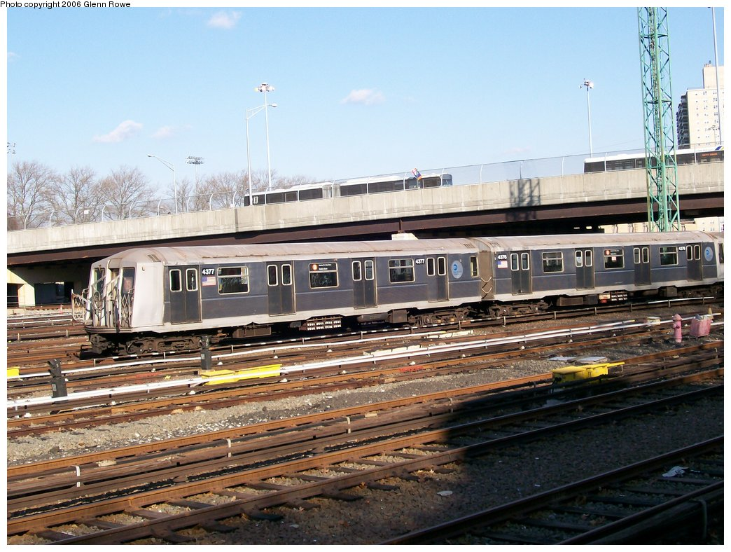 (201k, 1044x788)<br><b>Country:</b> United States<br><b>City:</b> New York<br><b>System:</b> New York City Transit<br><b>Location:</b> Concourse Yard<br><b>Car:</b> R-40 (St. Louis, 1968)  4377-76 <br><b>Photo by:</b> Glenn L. Rowe<br><b>Date:</b> 12/5/2006<br><b>Viewed (this week/total):</b> 0 / 2525