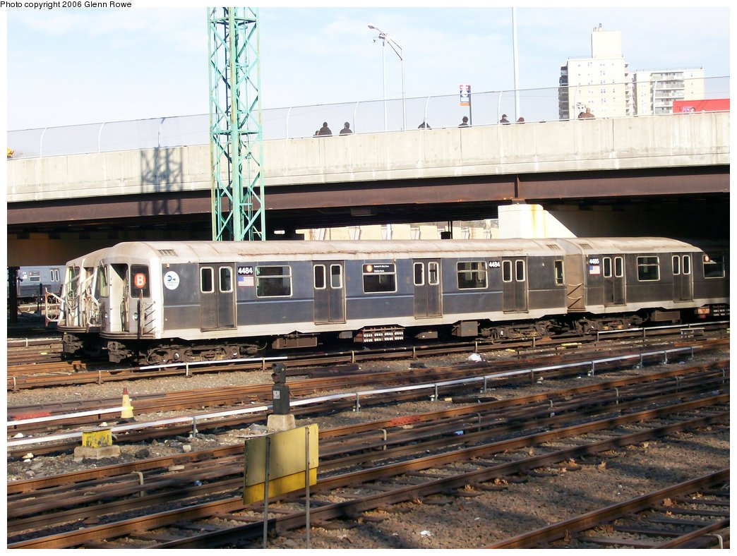 (200k, 1044x788)<br><b>Country:</b> United States<br><b>City:</b> New York<br><b>System:</b> New York City Transit<br><b>Location:</b> Concourse Yard<br><b>Car:</b> R-40M (St. Louis, 1969)  4484 <br><b>Photo by:</b> Glenn L. Rowe<br><b>Date:</b> 12/7/2006<br><b>Viewed (this week/total):</b> 0 / 2678