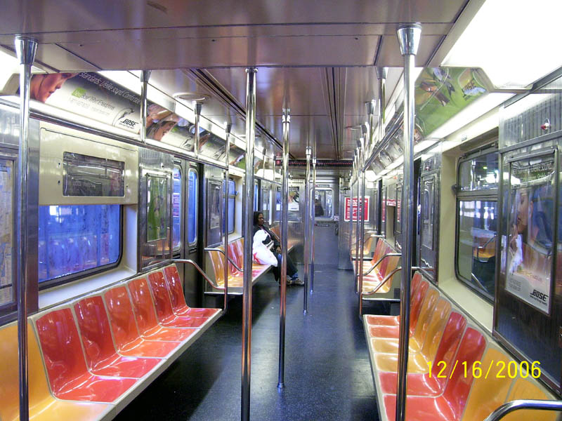 (131k, 800x600)<br><b>Country:</b> United States<br><b>City:</b> New York<br><b>System:</b> New York City Transit<br><b>Line:</b> IRT Lenox Line<br><b>Location:</b> 148th Street/Lenox Terminal <br><b>Route:</b> 3<br><b>Car:</b> R-62A (Bombardier, 1984-1987)  1931 <br><b>Photo by:</b> Aliandro Brathwaite<br><b>Date:</b> 12/16/2006<br><b>Viewed (this week/total):</b> 0 / 5705