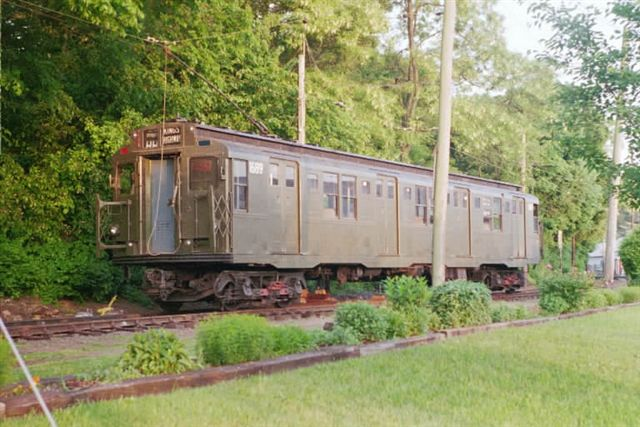 (65k, 640x427)<br><b>Country:</b> United States<br><b>City:</b> East Haven/Branford, Ct.<br><b>System:</b> Shore Line Trolley Museum <br><b>Car:</b> R-9 (American Car & Foundry, 1940)  1689 <br><b>Collection of:</b> Vic Gordon<br><b>Date:</b> 9/2005<br><b>Viewed (this week/total):</b> 0 / 1351