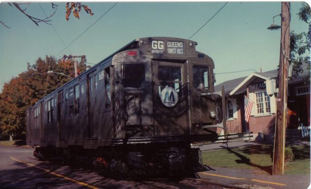 (43k, 640x389)<br><b>Country:</b> United States<br><b>City:</b> East Haven/Branford, Ct.<br><b>System:</b> Shore Line Trolley Museum <br><b>Car:</b> R-9 (American Car & Foundry, 1940)  1689 <br><b>Collection of:</b> Vic Gordon<br><b>Notes:</b> R9 1689 outside Sprague Station at Shore Line Trolley Museum.<br><b>Viewed (this week/total):</b> 1 / 1688