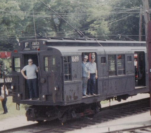 (42k, 510x448)<br><b>Country:</b> United States<br><b>City:</b> East Haven/Branford, Ct.<br><b>System:</b> Shore Line Trolley Museum <br><b>Car:</b> R-9 (American Car & Foundry, 1940)  1689 <br><b>Collection of:</b> Vic Gordon<br><b>Viewed (this week/total):</b> 2 / 1732