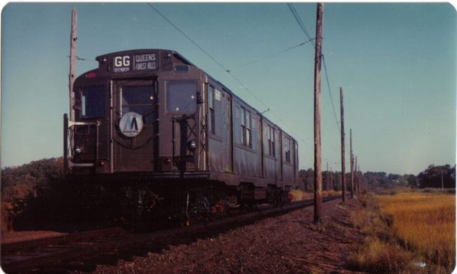 (33k, 640x384)<br><b>Country:</b> United States<br><b>City:</b> East Haven/Branford, Ct.<br><b>System:</b> Shore Line Trolley Museum <br><b>Car:</b> R-9 (American Car & Foundry, 1940)  1689 <br><b>Collection of:</b> Vic Gordon<br><b>Notes:</b> R9 1689 on the main line at Shore Line.<br><b>Viewed (this week/total):</b> 1 / 1419