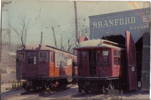 (43k, 640x424)<br><b>Country:</b> United States<br><b>City:</b> East Haven/Branford, Ct.<br><b>System:</b> Shore Line Trolley Museum <br><b>Car:</b> Low-V 5466 <br><b>Collection of:</b> Vic Gordon<br><b>Notes:</b> Day of arrival at Shore Line, with BU 1227.<br><b>Viewed (this week/total):</b> 2 / 1164
