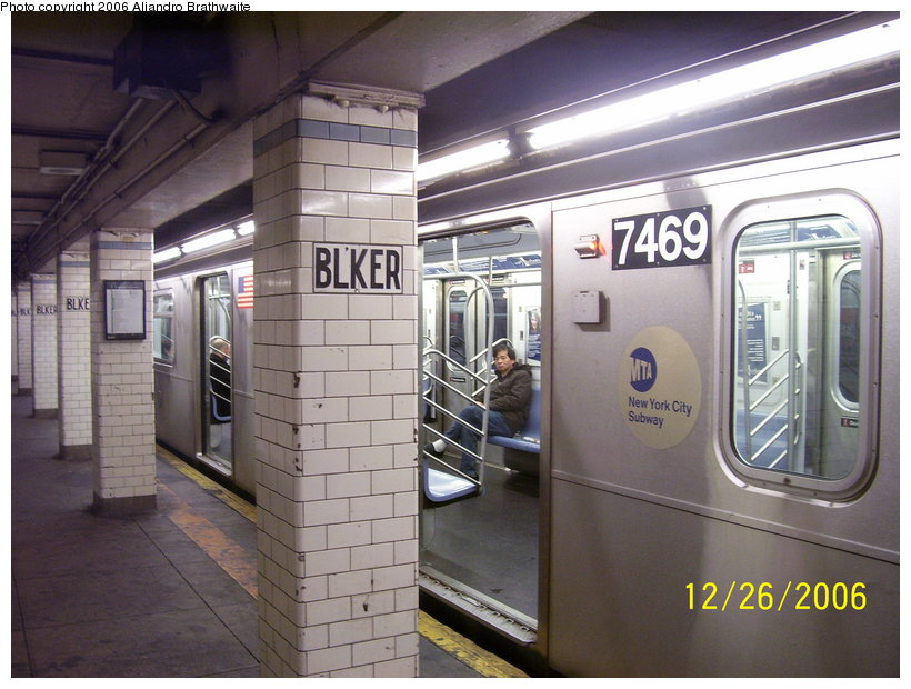 (120k, 820x620)<br><b>Country:</b> United States<br><b>City:</b> New York<br><b>System:</b> New York City Transit<br><b>Line:</b> IRT East Side Line<br><b>Location:</b> Bleecker Street <br><b>Route:</b> 6<br><b>Car:</b> R-142A (Primary Order, Kawasaki, 1999-2002)  7489 <br><b>Photo by:</b> Aliandro Brathwaite<br><b>Date:</b> 12/26/2006<br><b>Viewed (this week/total):</b> 0 / 3909