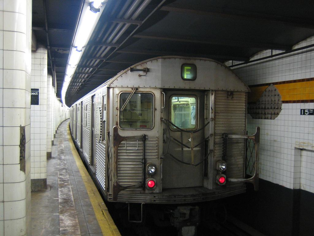 (108k, 1024x768)<br><b>Country:</b> United States<br><b>City:</b> New York<br><b>System:</b> New York City Transit<br><b>Line:</b> IND Crosstown Line<br><b>Location:</b> 15th Street/Prospect Park <br><b>Route:</b> F<br><b>Car:</b> R-32 (Budd, 1964)  3x37 <br><b>Photo by:</b> Michael Hodurski<br><b>Date:</b> 12/10/2006<br><b>Viewed (this week/total):</b> 2 / 2328