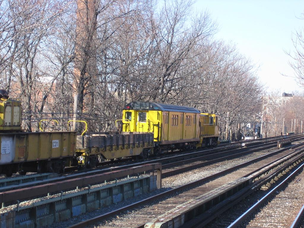 (238k, 1024x768)<br><b>Country:</b> United States<br><b>City:</b> New York<br><b>System:</b> New York City Transit<br><b>Line:</b> BMT Brighton Line<br><b>Location:</b> Avenue M <br><b>Route:</b> Work Service<br><b>Car:</b> R-161 Rider Car (ex-R-33)  RD430 (ex-8878)<br><b>Photo by:</b> Michael Hodurski<br><b>Date:</b> 12/9/2006<br><b>Viewed (this week/total):</b> 1 / 2301