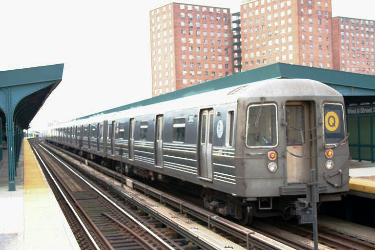 (86k, 768x512)<br><b>Country:</b> United States<br><b>City:</b> New York<br><b>System:</b> New York City Transit<br><b>Line:</b> BMT Brighton Line<br><b>Location:</b> West 8th Street <br><b>Route:</b> Q<br><b>Car:</b> R-68 (Westinghouse-Amrail, 1986-1988)  2802 <br><b>Photo by:</b> Neil Feldman<br><b>Date:</b> 12/28/2006<br><b>Viewed (this week/total):</b> 0 / 1487
