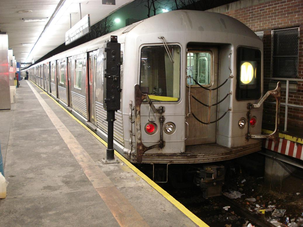 (140k, 1037x778)<br><b>Country:</b> United States<br><b>City:</b> New York<br><b>System:</b> New York City Transit<br><b>Line:</b> BMT Myrtle Avenue Line<br><b>Location:</b> Metropolitan Avenue <br><b>Route:</b> M<br><b>Car:</b> R-42 (St. Louis, 1969-1970)  4573 <br><b>Photo by:</b> Michael Hodurski<br><b>Date:</b> 1/6/2007<br><b>Viewed (this week/total):</b> 0 / 1844