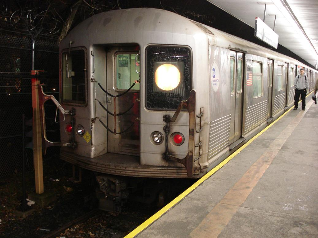 (123k, 1037x778)<br><b>Country:</b> United States<br><b>City:</b> New York<br><b>System:</b> New York City Transit<br><b>Line:</b> BMT Myrtle Avenue Line<br><b>Location:</b> Metropolitan Avenue <br><b>Route:</b> M<br><b>Car:</b> R-42 (St. Louis, 1969-1970)  4594 <br><b>Photo by:</b> Michael Hodurski<br><b>Date:</b> 1/6/2007<br><b>Viewed (this week/total):</b> 2 / 1627