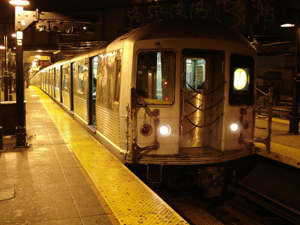 (142k, 1037x778)<br><b>Country:</b> United States<br><b>City:</b> New York<br><b>System:</b> New York City Transit<br><b>Line:</b> BMT Nassau Street/Jamaica Line<br><b>Location:</b> Myrtle Avenue <br><b>Route:</b> M<br><b>Car:</b> R-42 (St. Louis, 1969-1970)  4573 <br><b>Photo by:</b> Michael Hodurski<br><b>Date:</b> 1/6/2007<br><b>Viewed (this week/total):</b> 1 / 1787