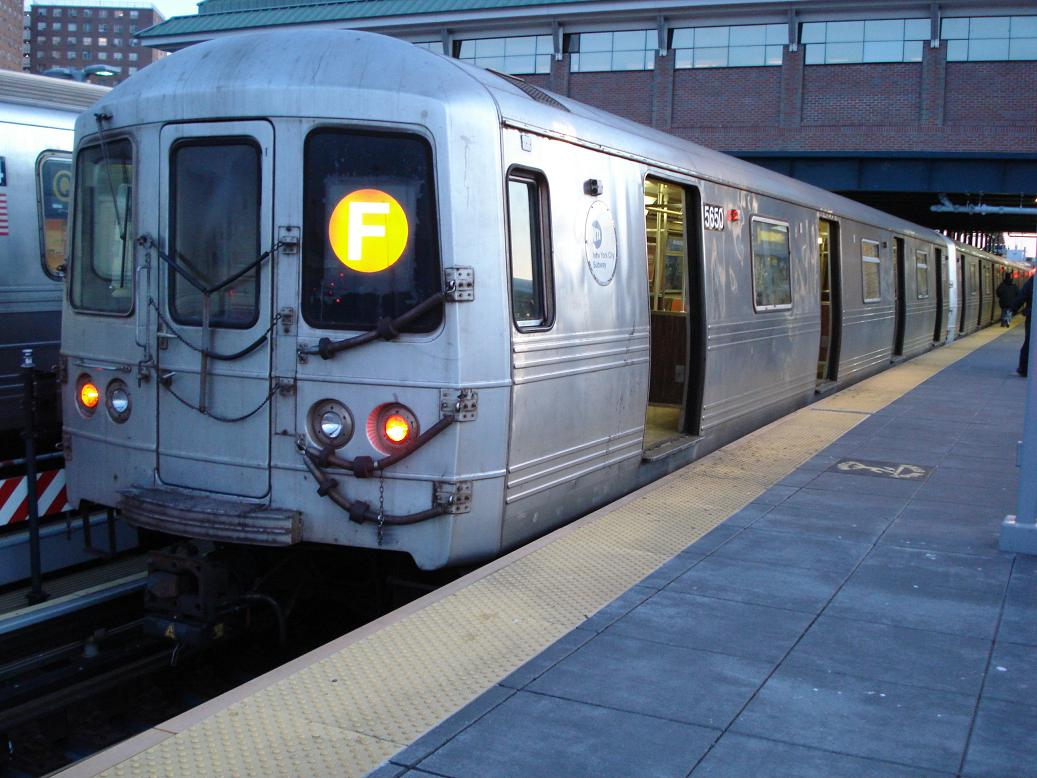(135k, 1037x778)<br><b>Country:</b> United States<br><b>City:</b> New York<br><b>System:</b> New York City Transit<br><b>Location:</b> Coney Island/Stillwell Avenue<br><b>Route:</b> F<br><b>Car:</b> R-46 (Pullman-Standard, 1974-75) 5650 <br><b>Photo by:</b> Michael Hodurski<br><b>Date:</b> 1/4/2007<br><b>Viewed (this week/total):</b> 3 / 2145