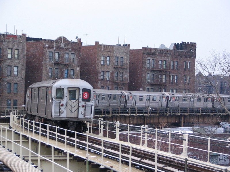 (162k, 800x600)<br><b>Country:</b> United States<br><b>City:</b> New York<br><b>System:</b> New York City Transit<br><b>Line:</b> IRT Brooklyn Line<br><b>Location:</b> Saratoga Avenue <br><b>Route:</b> 3<br><b>Car:</b> R-62 (Kawasaki, 1983-1985)  1310 <br><b>Photo by:</b> Dante D. Angerville<br><b>Date:</b> 2/26/2005<br><b>Viewed (this week/total):</b> 1 / 2768