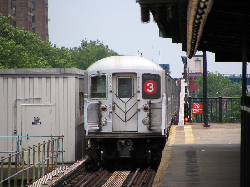 (126k, 800x600)<br><b>Country:</b> United States<br><b>City:</b> New York<br><b>System:</b> New York City Transit<br><b>Line:</b> IRT Brooklyn Line<br><b>Location:</b> Rockaway Avenue <br><b>Route:</b> 3<br><b>Car:</b> R-62 (Kawasaki, 1983-1985)  1325 <br><b>Photo by:</b> Dante D. Angerville<br><b>Date:</b> 6/17/2006<br><b>Viewed (this week/total):</b> 2 / 2155