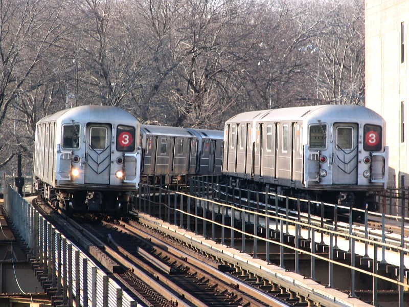 (203k, 800x600)<br><b>Country:</b> United States<br><b>City:</b> New York<br><b>System:</b> New York City Transit<br><b>Line:</b> IRT Brooklyn Line<br><b>Location:</b> Sutter Avenue/Rutland Road <br><b>Route:</b> 3<br><b>Car:</b> R-62 (Kawasaki, 1983-1985)  1516/1396 <br><b>Photo by:</b> Dante D. Angerville<br><b>Date:</b> 3/12/2005<br><b>Viewed (this week/total):</b> 0 / 3362