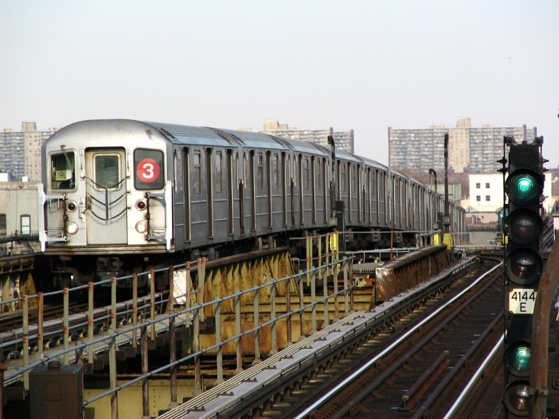 (129k, 800x600)<br><b>Country:</b> United States<br><b>City:</b> New York<br><b>System:</b> New York City Transit<br><b>Line:</b> IRT Brooklyn Line<br><b>Location:</b> Junius Street <br><b>Route:</b> 3<br><b>Car:</b> R-62 (Kawasaki, 1983-1985)   <br><b>Photo by:</b> Dante D. Angerville<br><b>Date:</b> 3/12/2005<br><b>Viewed (this week/total):</b> 0 / 2515
