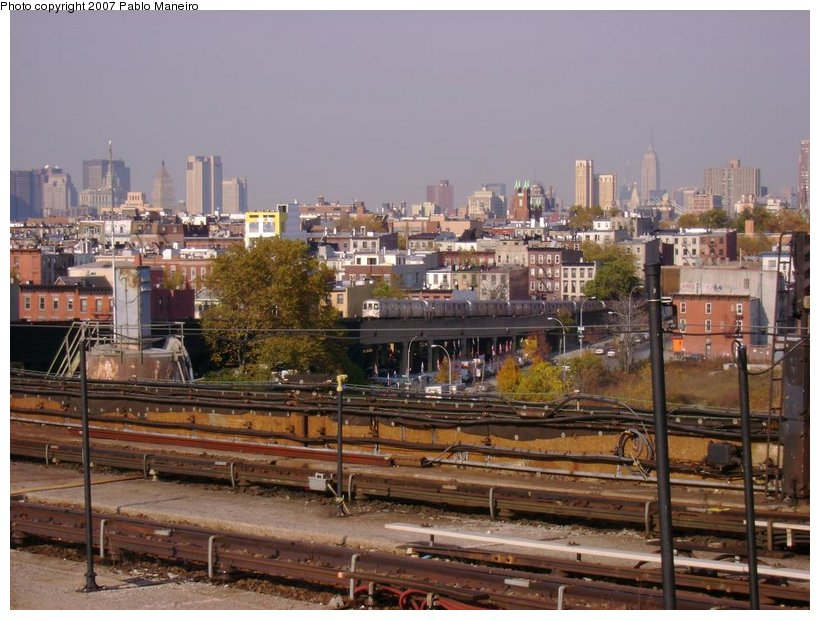 (138k, 820x620)<br><b>Country:</b> United States<br><b>City:</b> New York<br><b>System:</b> New York City Transit<br><b>Line:</b> IND Crosstown Line<br><b>Location:</b> Smith/9th Street <br><b>Photo by:</b> Pablo Maneiro<br><b>Date:</b> 11/5/2006<br><b>Viewed (this week/total):</b> 0 / 1885