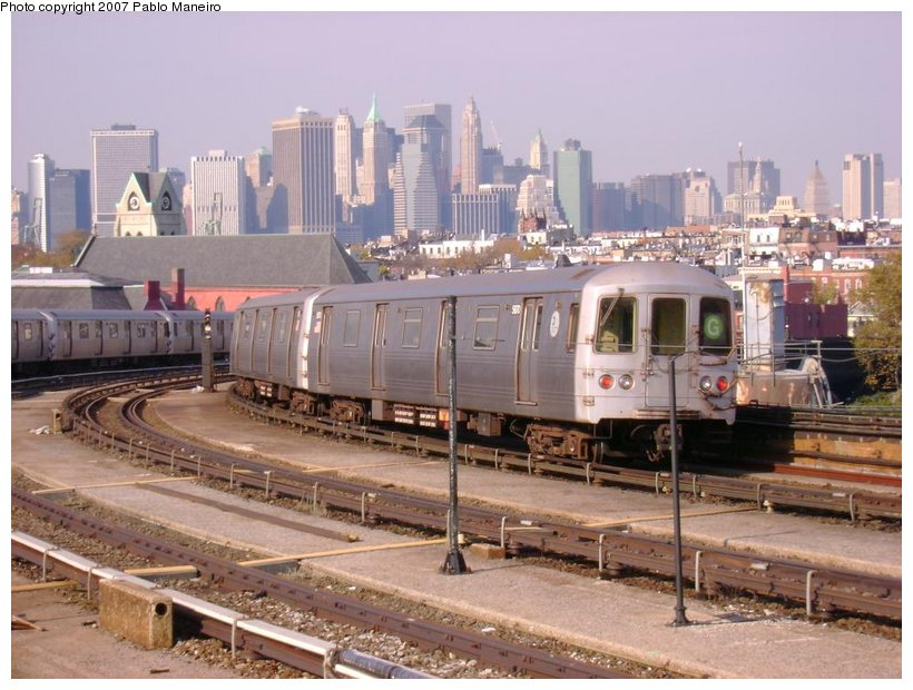 (135k, 820x620)<br><b>Country:</b> United States<br><b>City:</b> New York<br><b>System:</b> New York City Transit<br><b>Line:</b> IND Crosstown Line<br><b>Location:</b> Smith/9th Street <br><b>Route:</b> G<br><b>Car:</b> R-46 (Pullman-Standard, 1974-75) 5870 <br><b>Photo by:</b> Pablo Maneiro<br><b>Date:</b> 11/5/2006<br><b>Viewed (this week/total):</b> 1 / 2339