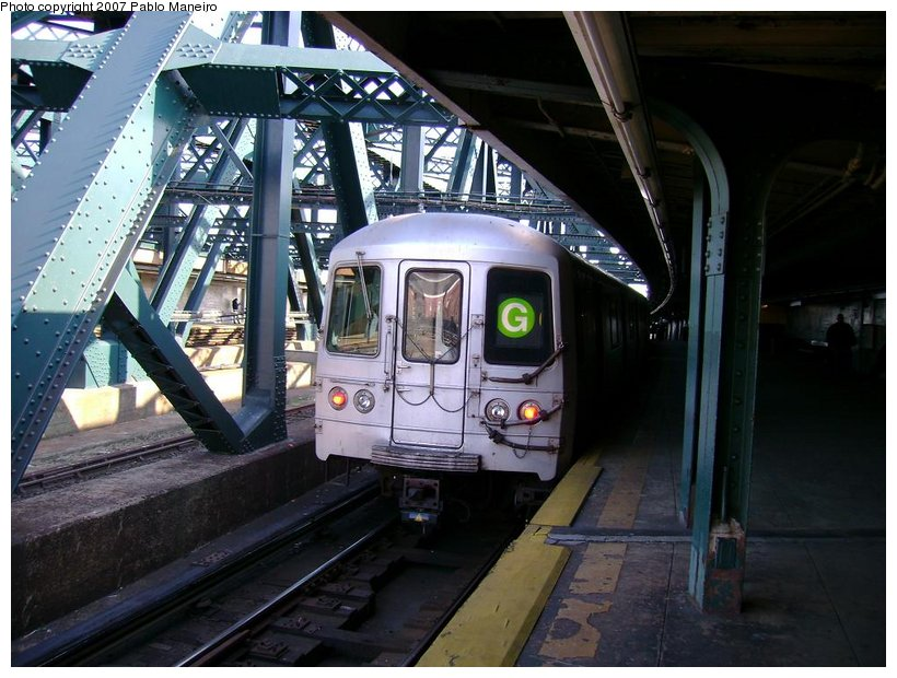 (134k, 820x620)<br><b>Country:</b> United States<br><b>City:</b> New York<br><b>System:</b> New York City Transit<br><b>Line:</b> IND Crosstown Line<br><b>Location:</b> Smith/9th Street <br><b>Route:</b> G<br><b>Car:</b> R-46 (Pullman-Standard, 1974-75)  <br><b>Photo by:</b> Pablo Maneiro<br><b>Date:</b> 11/5/2006<br><b>Viewed (this week/total):</b> 0 / 1681