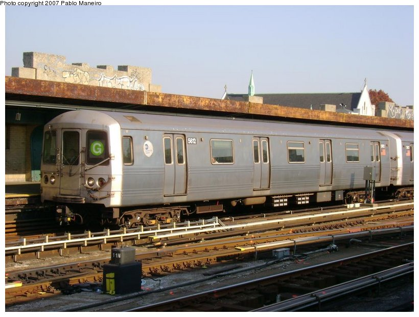 (126k, 820x620)<br><b>Country:</b> United States<br><b>City:</b> New York<br><b>System:</b> New York City Transit<br><b>Line:</b> IND Crosstown Line<br><b>Location:</b> 4th Avenue <br><b>Route:</b> G<br><b>Car:</b> R-46 (Pullman-Standard, 1974-75) 5612 <br><b>Photo by:</b> Pablo Maneiro<br><b>Date:</b> 11/5/2006<br><b>Viewed (this week/total):</b> 0 / 1656