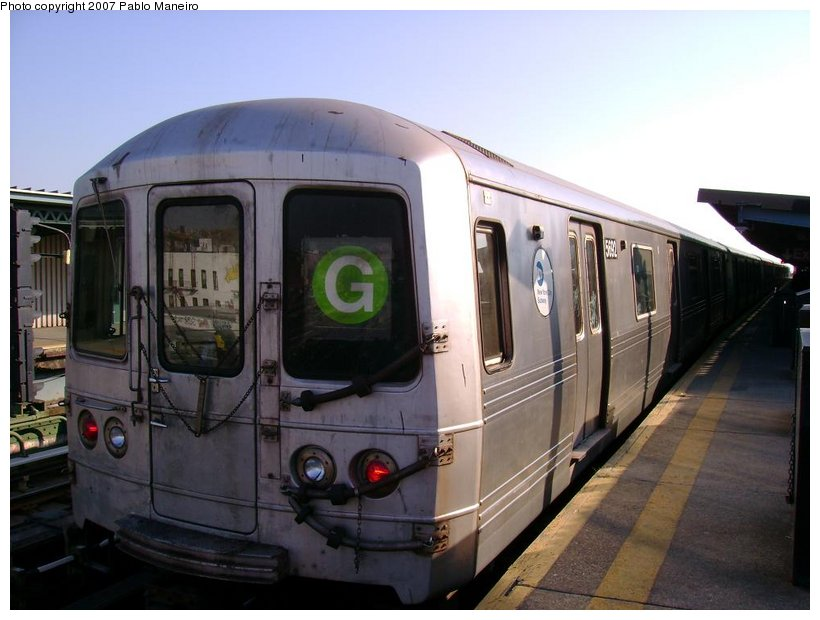 (109k, 820x620)<br><b>Country:</b> United States<br><b>City:</b> New York<br><b>System:</b> New York City Transit<br><b>Line:</b> BMT Culver Line<br><b>Location:</b> Ditmas Avenue <br><b>Route:</b> G<br><b>Car:</b> R-46 (Pullman-Standard, 1974-75) 5692 <br><b>Photo by:</b> Pablo Maneiro<br><b>Date:</b> 11/5/2006<br><b>Viewed (this week/total):</b> 0 / 1313