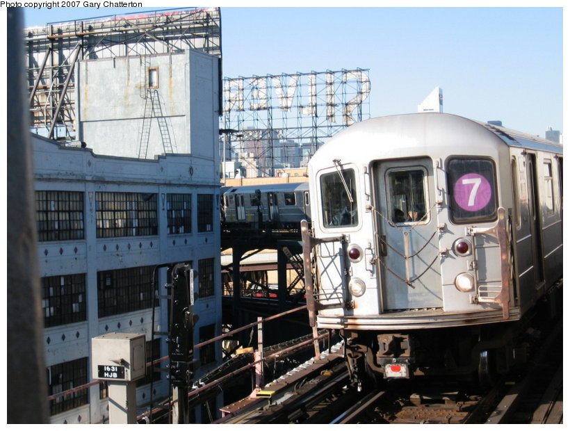 (125k, 820x620)<br><b>Country:</b> United States<br><b>City:</b> New York<br><b>System:</b> New York City Transit<br><b>Line:</b> IRT Flushing Line<br><b>Location:</b> Queensborough Plaza <br><b>Route:</b> 7<br><b>Car:</b> R-62A (Bombardier, 1984-1987)  2072 <br><b>Photo by:</b> Gary Chatterton<br><b>Date:</b> 12/9/2006<br><b>Viewed (this week/total):</b> 4 / 1641