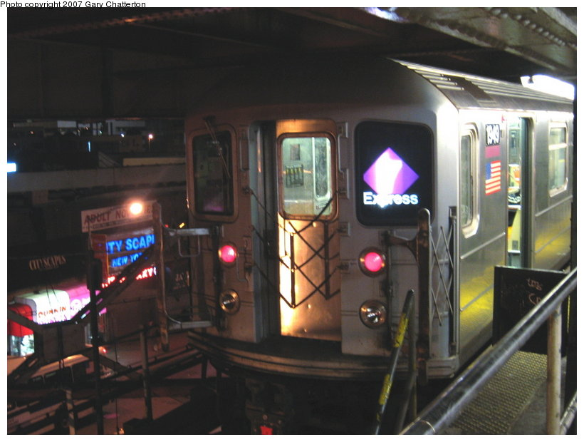 (93k, 820x620)<br><b>Country:</b> United States<br><b>City:</b> New York<br><b>System:</b> New York City Transit<br><b>Line:</b> IRT Flushing Line<br><b>Location:</b> Queensborough Plaza <br><b>Route:</b> 7<br><b>Car:</b> R-62A (Bombardier, 1984-1987)  1949 <br><b>Photo by:</b> Gary Chatterton<br><b>Date:</b> 1/12/2007<br><b>Viewed (this week/total):</b> 2 / 2604