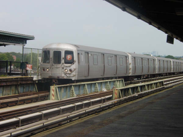 (34k, 600x450)<br><b>Country:</b> United States<br><b>City:</b> New York<br><b>System:</b> New York City Transit<br><b>Line:</b> BMT Culver Line<br><b>Location:</b> Avenue N <br><b>Route:</b> F<br><b>Car:</b> R-46 (Pullman-Standard, 1974-75)  <br><b>Photo by:</b> Mike Scott<br><b>Date:</b> 7/25/2006<br><b>Viewed (this week/total):</b> 2 / 1706