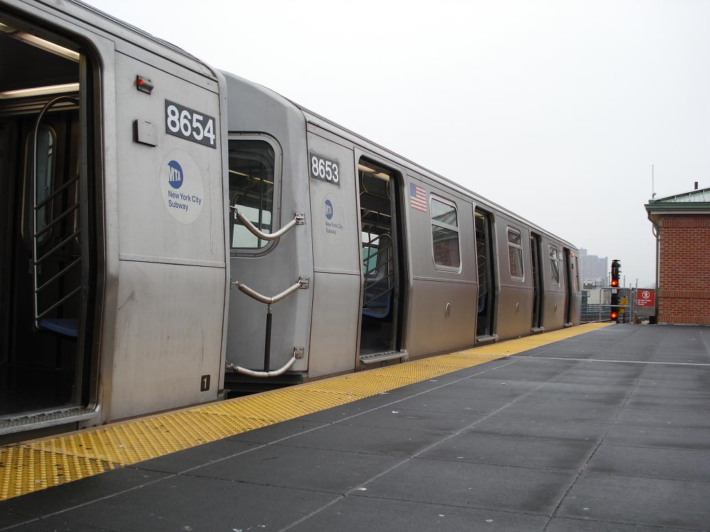 (103k, 1037x778)<br><b>Country:</b> United States<br><b>City:</b> New York<br><b>System:</b> New York City Transit<br><b>Location:</b> Coney Island/Stillwell Avenue<br><b>Route:</b> N<br><b>Car:</b> R-160A-2 (Alstom, 2005-2008, 5 car sets)  8653 <br><b>Photo by:</b> Michael Hodurski<br><b>Date:</b> 1/15/2007<br><b>Viewed (this week/total):</b> 3 / 2335