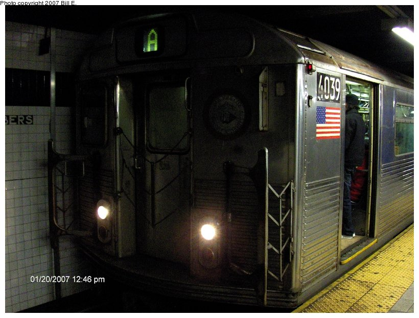 (116k, 820x623)<br><b>Country:</b> United States<br><b>City:</b> New York<br><b>System:</b> New York City Transit<br><b>Line:</b> IND 8th Avenue Line<br><b>Location:</b> Chambers Street/World Trade Center <br><b>Route:</b> A<br><b>Car:</b> R-38 (St. Louis, 1966-1967)  4039 <br><b>Photo by:</b> Bill E.<br><b>Date:</b> 1/20/2007<br><b>Viewed (this week/total):</b> 1 / 2369