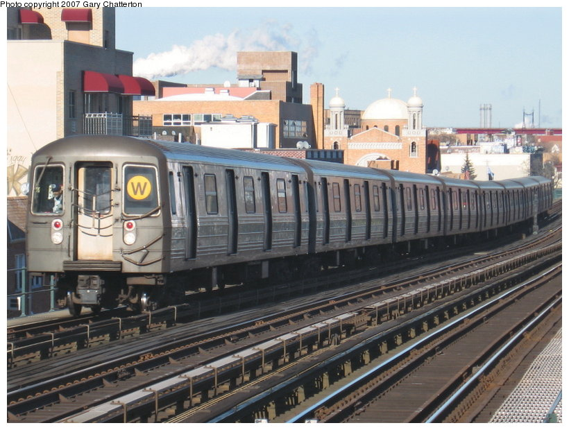 (128k, 820x620)<br><b>Country:</b> United States<br><b>City:</b> New York<br><b>System:</b> New York City Transit<br><b>Line:</b> BMT Astoria Line<br><b>Location:</b> Broadway <br><b>Route:</b> W<br><b>Car:</b> R-68 (Westinghouse-Amrail, 1986-1988)  2794 <br><b>Photo by:</b> Gary Chatterton<br><b>Date:</b> 1/17/2007<br><b>Viewed (this week/total):</b> 3 / 1648