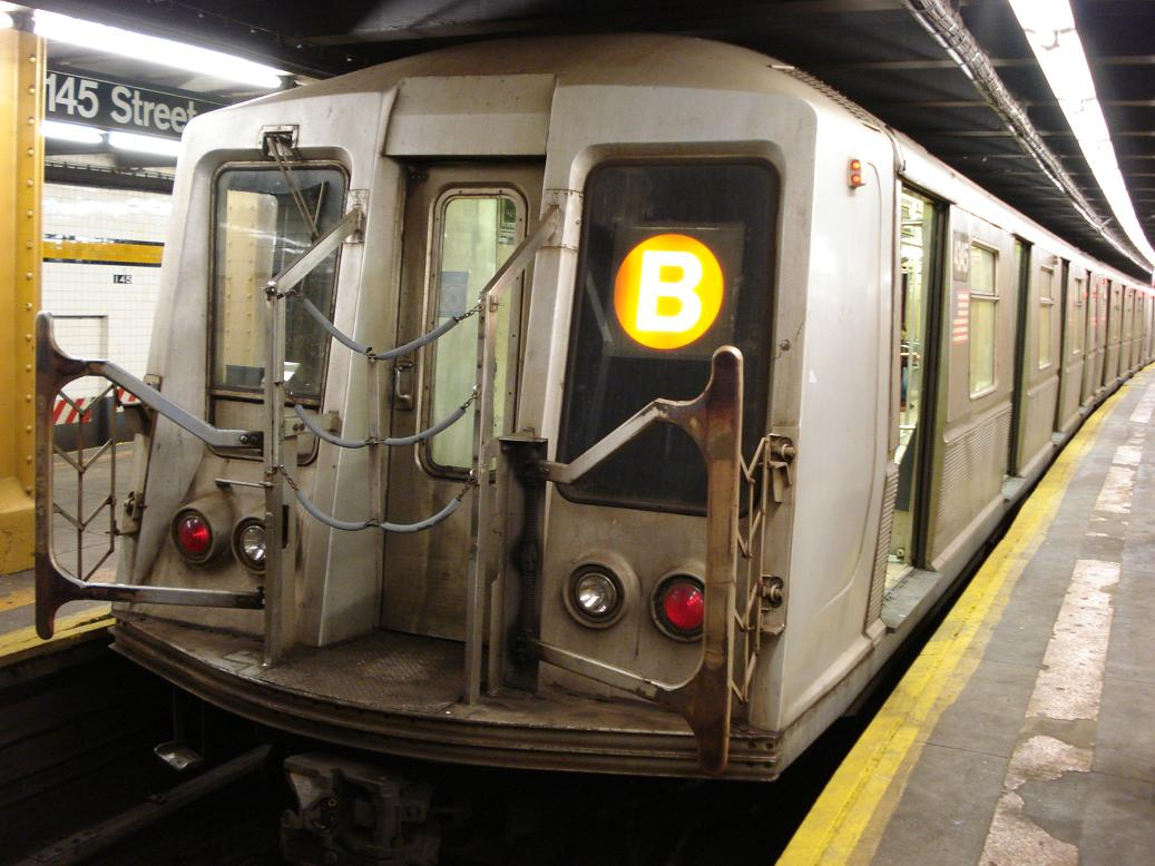 (128k, 1037x778)<br><b>Country:</b> United States<br><b>City:</b> New York<br><b>System:</b> New York City Transit<br><b>Line:</b> IND 8th Avenue Line<br><b>Location:</b> 145th Street <br><b>Route:</b> B<br><b>Car:</b> R-40 (St. Louis, 1968)  4345 <br><b>Photo by:</b> Michael Hodurski<br><b>Date:</b> 1/19/2007<br><b>Viewed (this week/total):</b> 2 / 2371